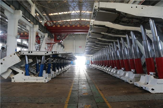 时间定格在8月4日,二号煤矿第一批45台液压支架顺利完成维修工作,紧图片
